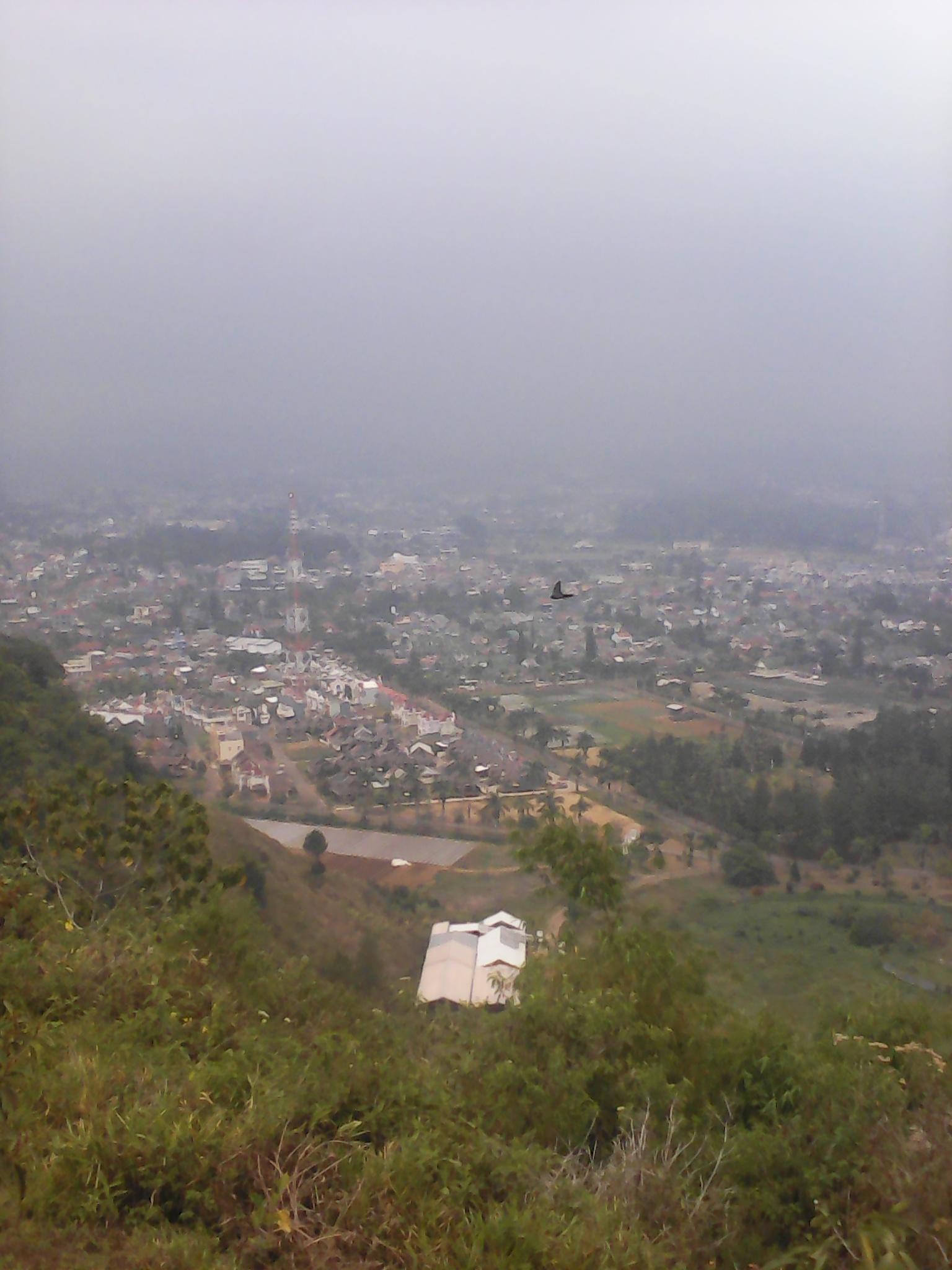 pemandangan cipanas dari gunung kasur