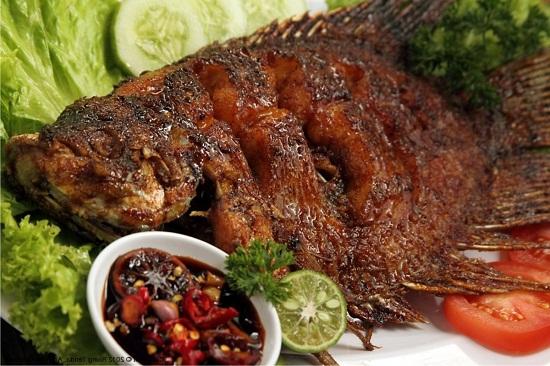 gambar ikan nila bakar